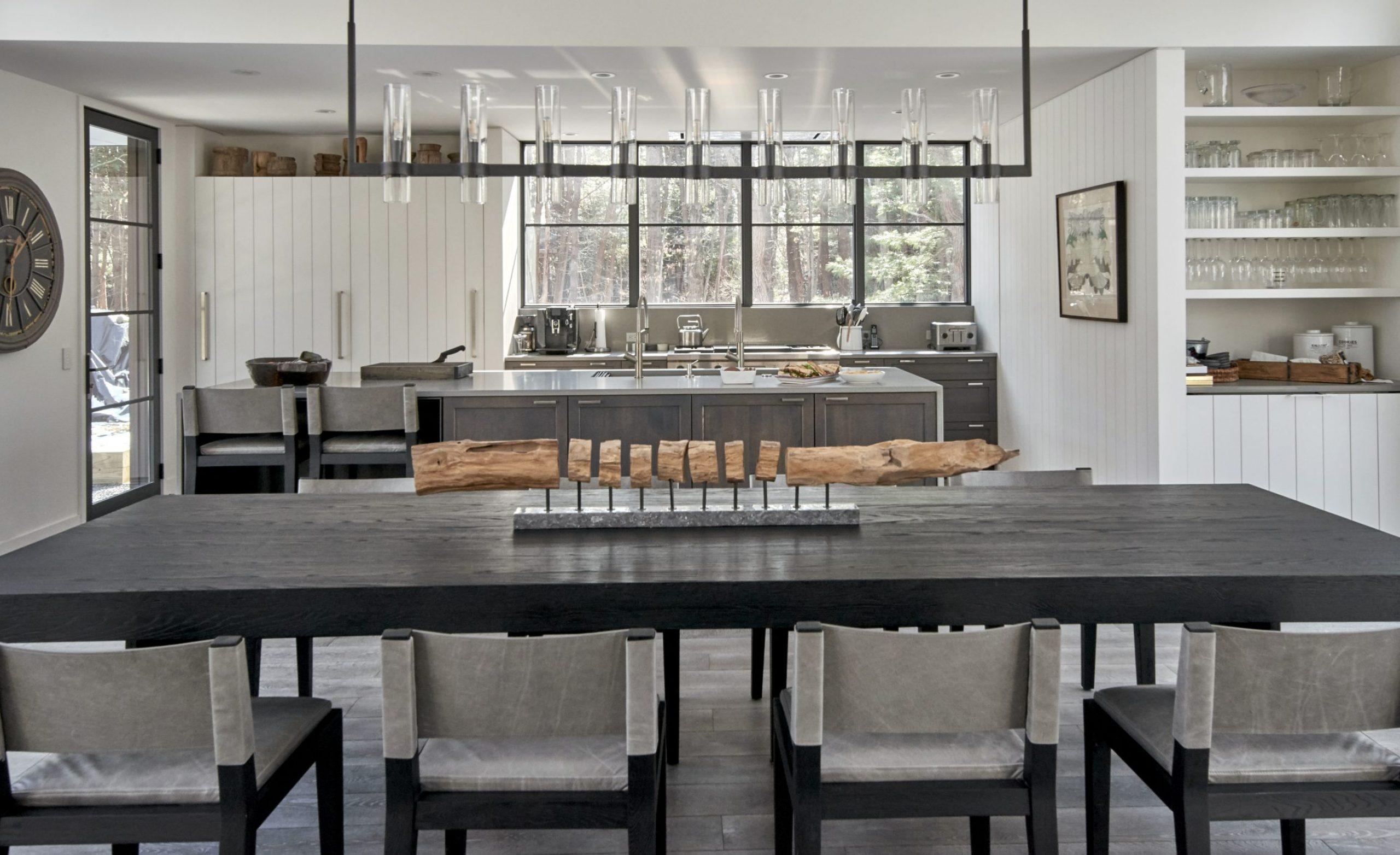 jaffea+i-Pure-Michigaas-dining-room